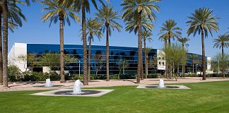 PhoenixNAP Phoenix flagship data center