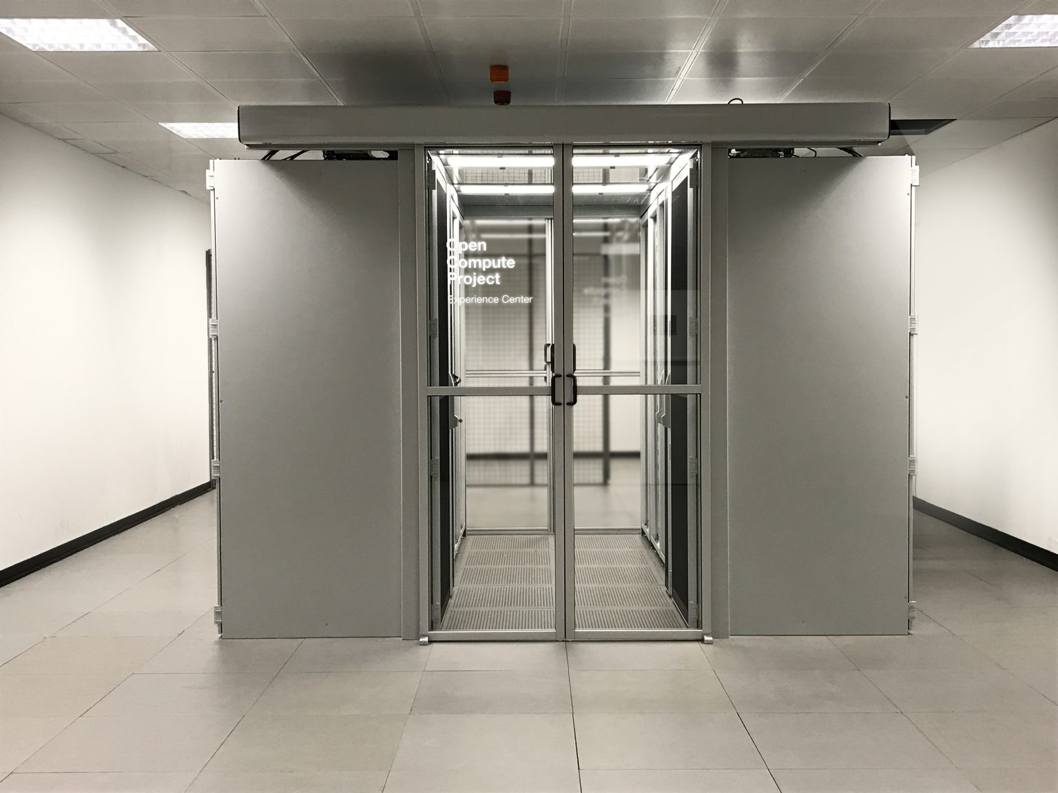 OCP Experience Center in maincubes AMS01_WEB