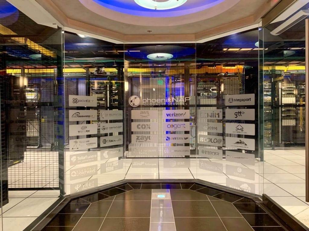phoenixNAP - centre de données à l'intérieur